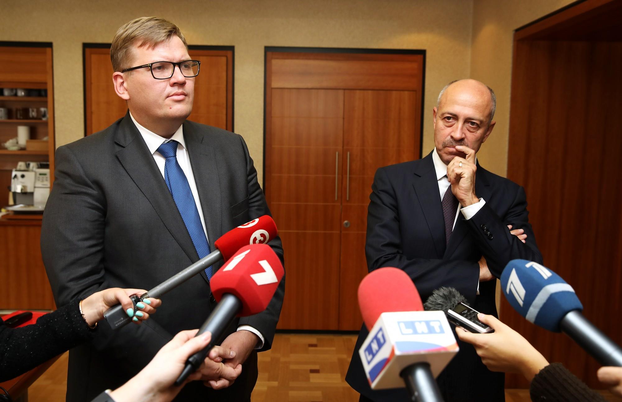 Pārmetot pašvaldības autonomās funkcijas nepildīšanu, VARAM rosinās Rīgas domes atlaišanu