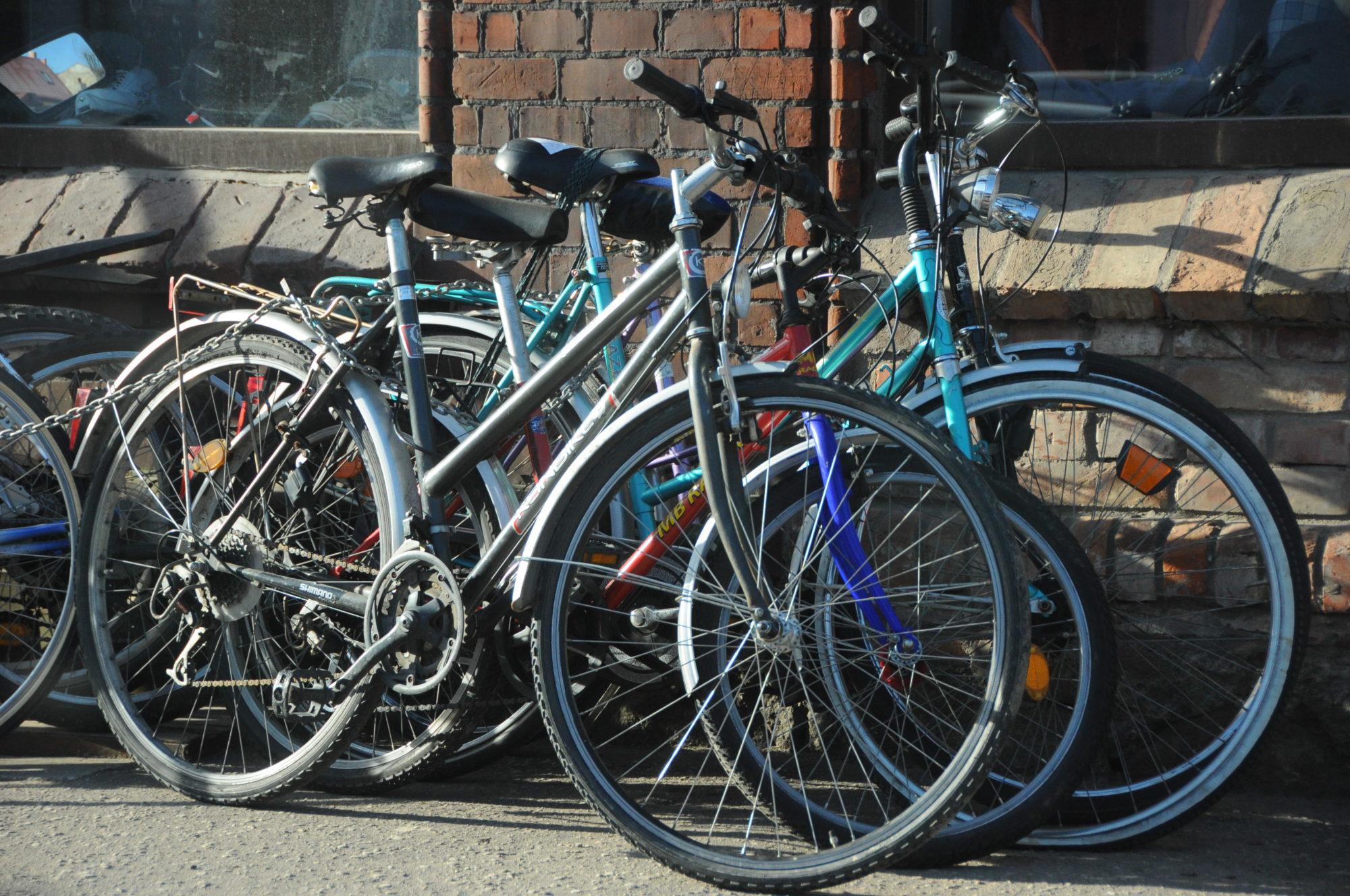 Nočiepti divi velosipēdi