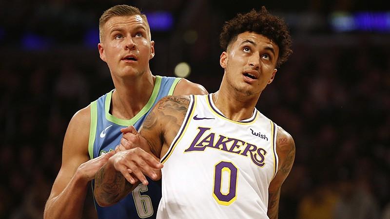 """Porziņģis ar 15 punktiem palīdz """"Mavericks"""" pārtraukt NBA līderes """"Lakers"""" desmit uzvaru sēriju"""