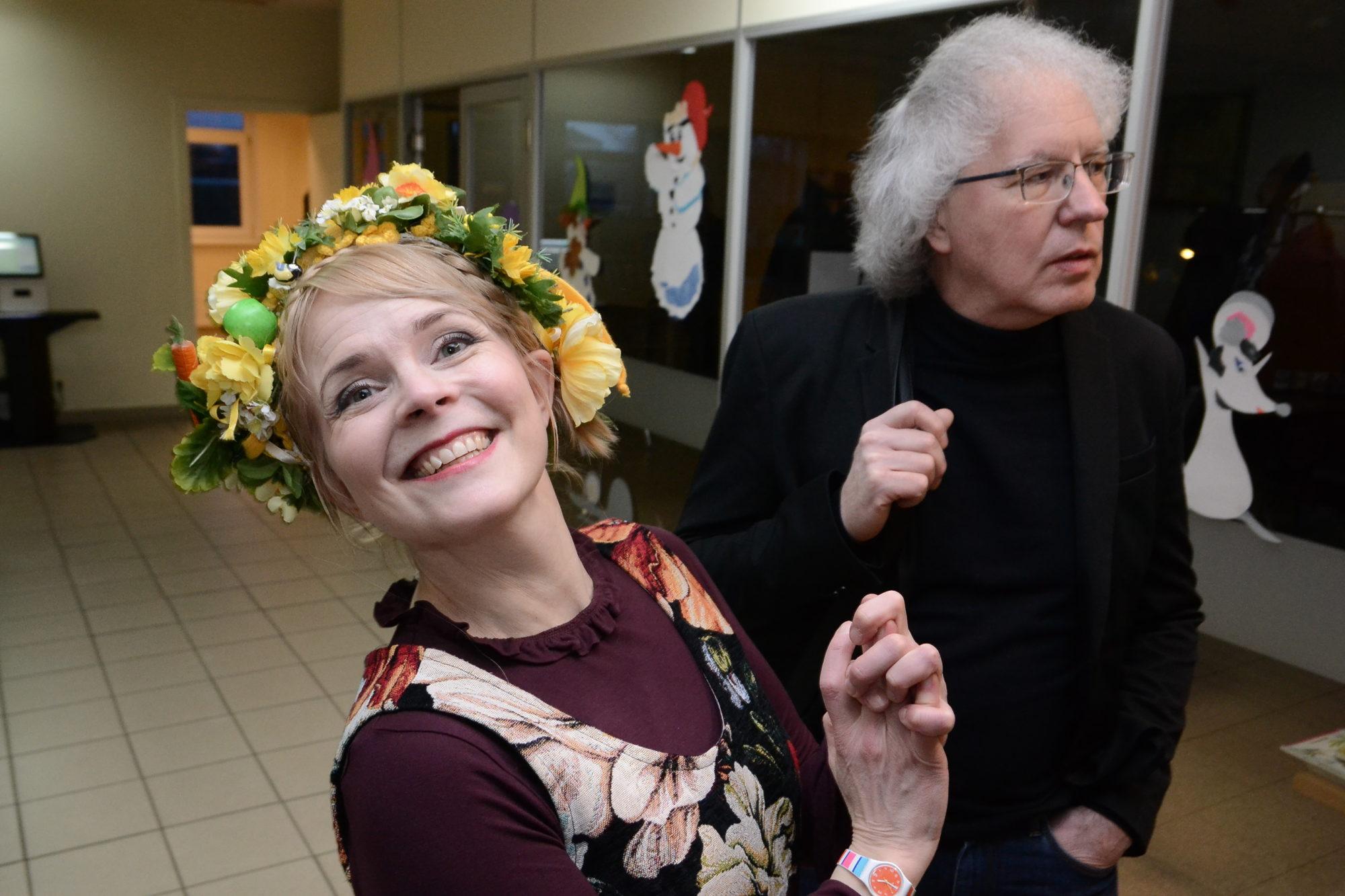 Somu dzejniece Heli Lāksonena viesojas vēju pilsētā