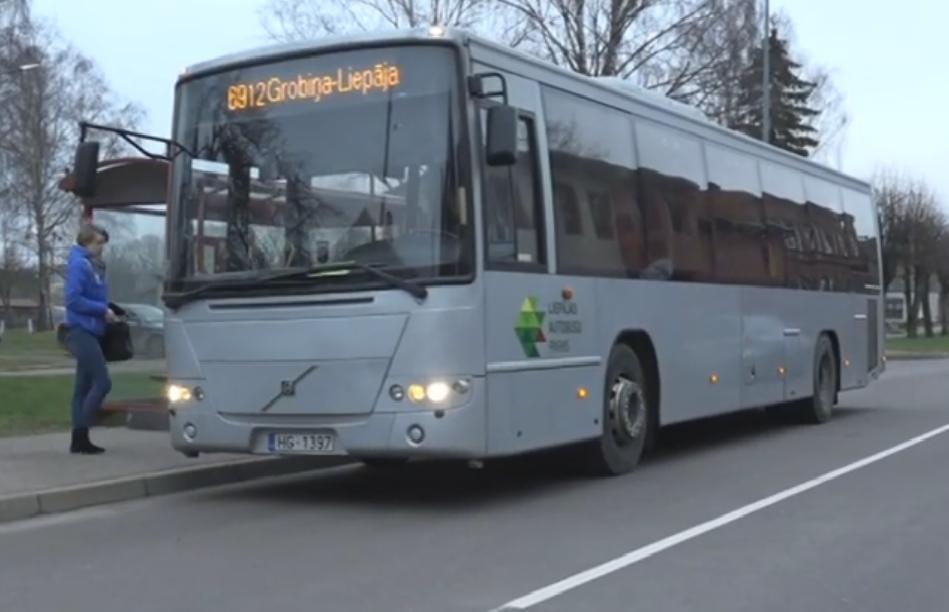 Autobusa Liepāja–Grobiņa pasažieri sašutuši par izmaiņām