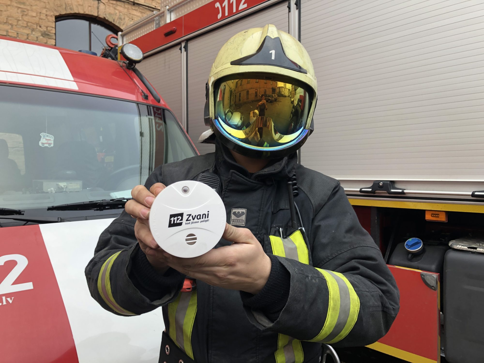 Dūmu detektors – modinātājs krīzes situācijās