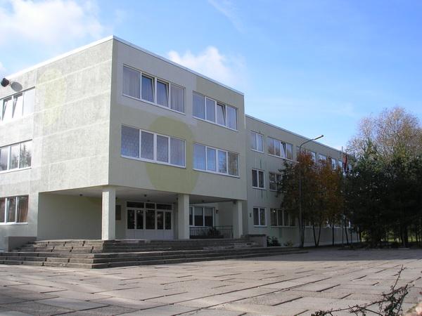 Ministre mainījusi skolēnu skaita kritērijus vidusskolās