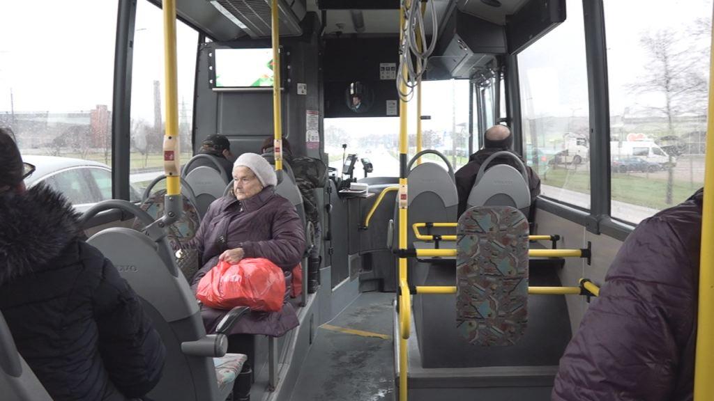 Reaģējot uz sūdzībām, ievieš uzlabojumus autobusu maršrutā Liepāja–Grobiņa