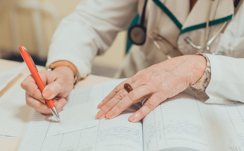 Lai tiktu pie ārsta, onkoloģiskajiem pacientiem vispirms jādodas pēc slimības vēstures