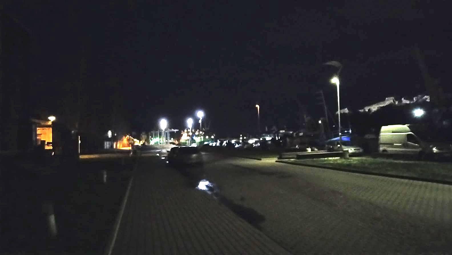 Liepājnieki sūdzas par apgaismojuma trūkumu promenādē