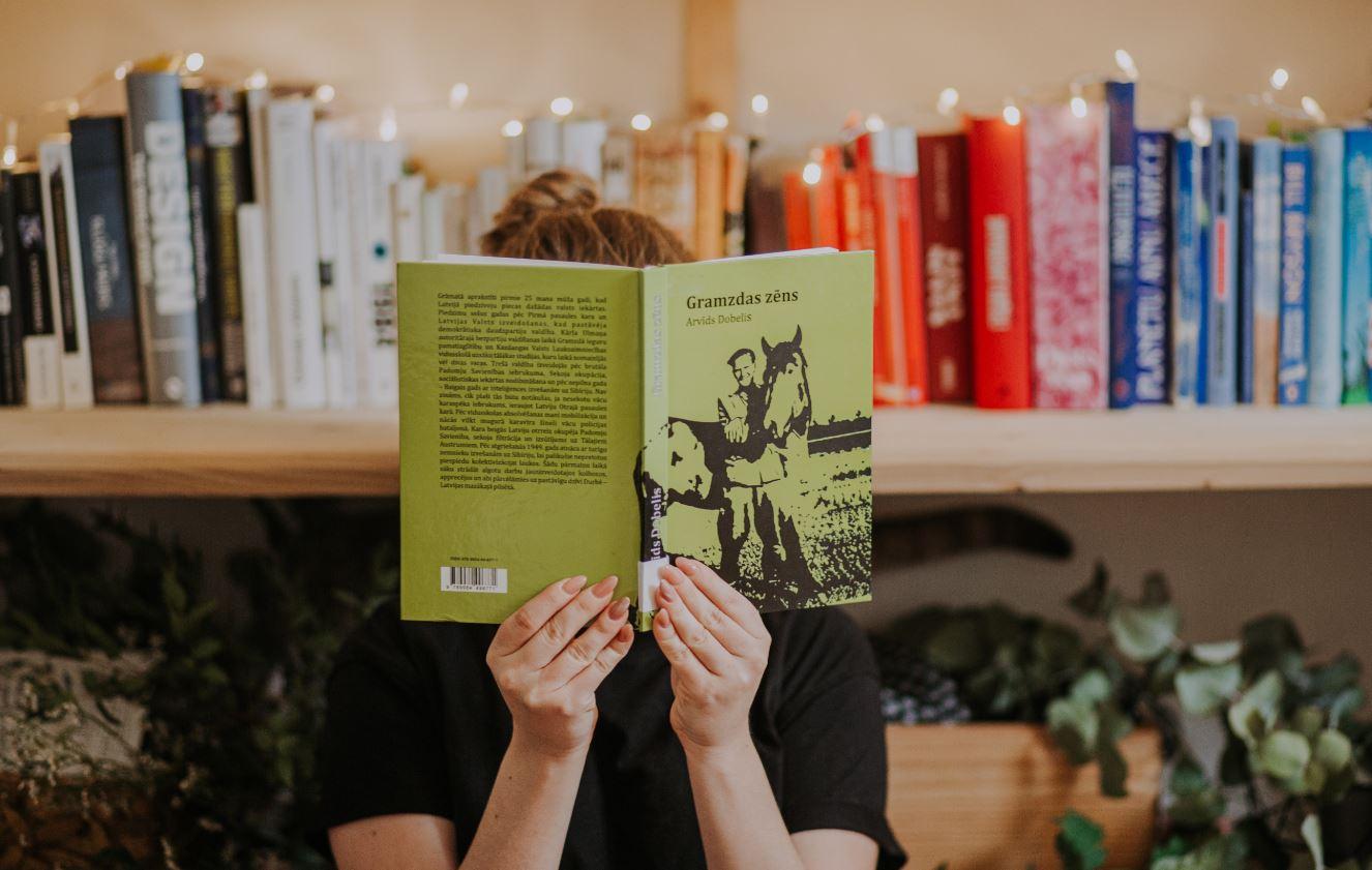 """Izstāde """"Dzimtas grāmata"""" būs apskatāma Liepājā jau šonedēļ"""