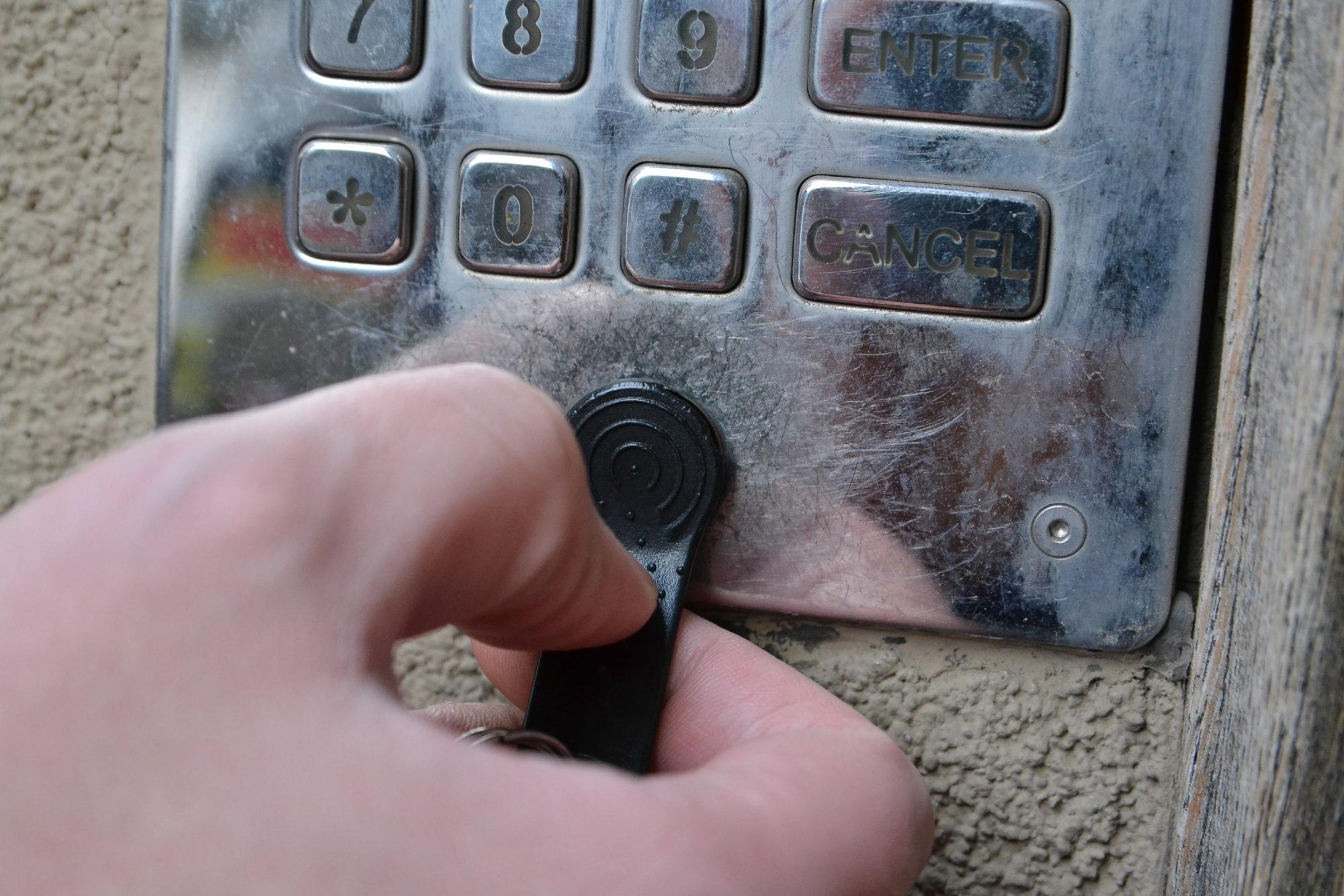Čipiņš pazudis, durvis ciet! Kā tikt pie jaunas elektroniskās atslēgas