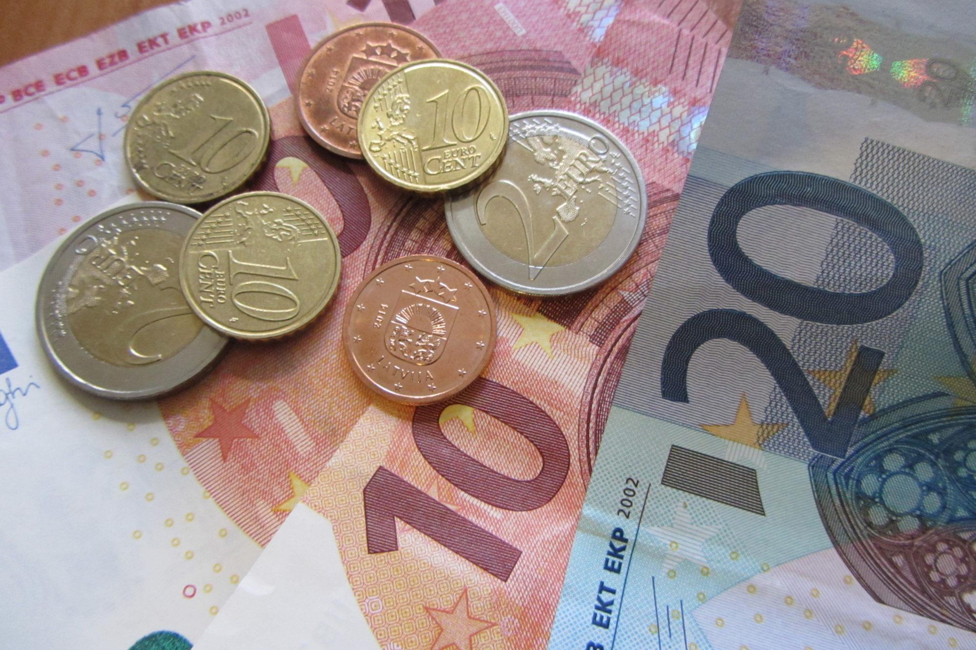 Piedāvā palielināt ģimenes valsts pabalstu, maksimālās papildu izmaksas lēšot 97 miljonu eiro apmērā