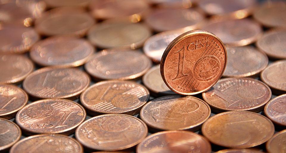 Vāc parakstus par atteikšanos no 1 un 2 centu monētām
