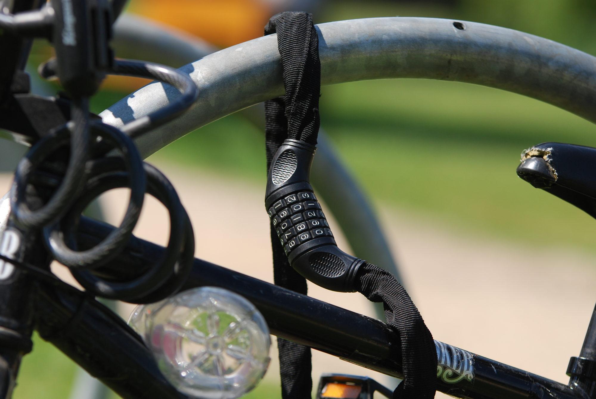 Nozagts velosipēds un nauda
