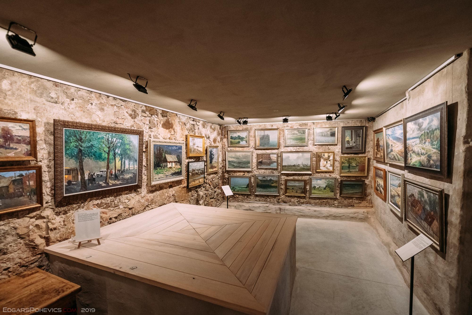 """Galerijas """"Romas dārzs"""" plašās izstāžu zāles  iemūžinātas virtuālā pastaigā"""