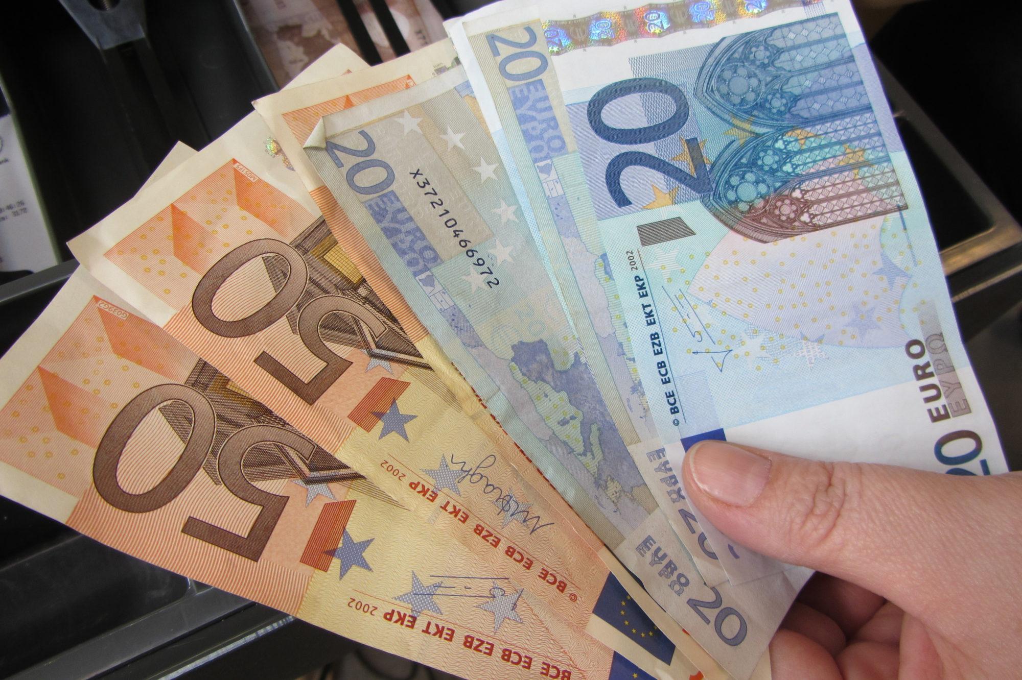 Latvijas IKP kritums otrajā ceturksnī sasniedzis 9,8%