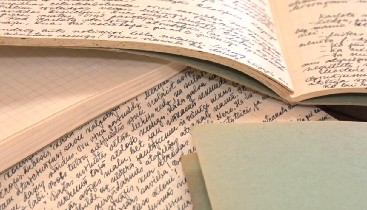 Dakteres mantojums – 100 kladēs pārrakstīta aizliegtā literatūra