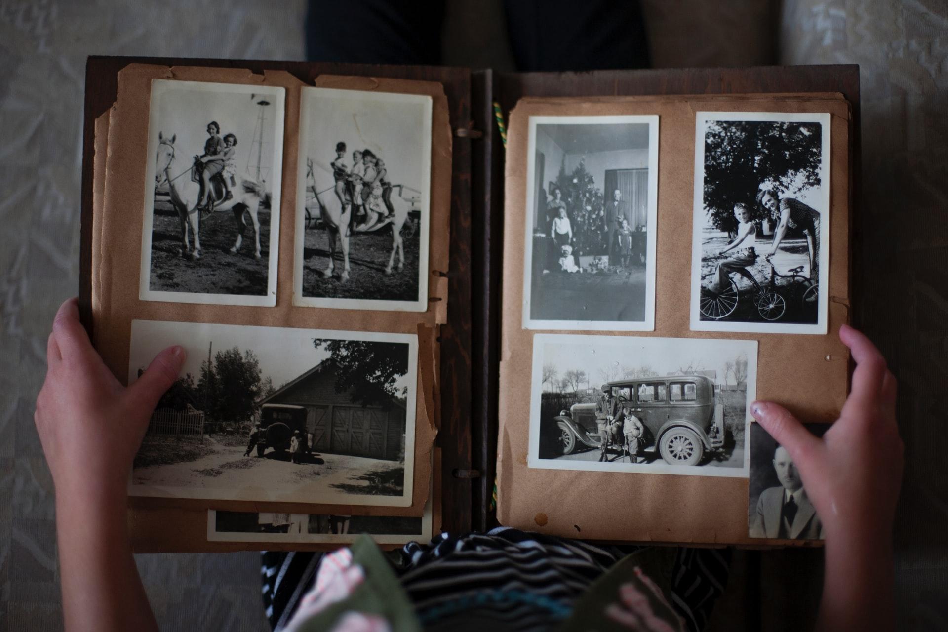 Dzīvojot mājās, cilvēki iesaistās mūzikas un  foto izaicinājumos