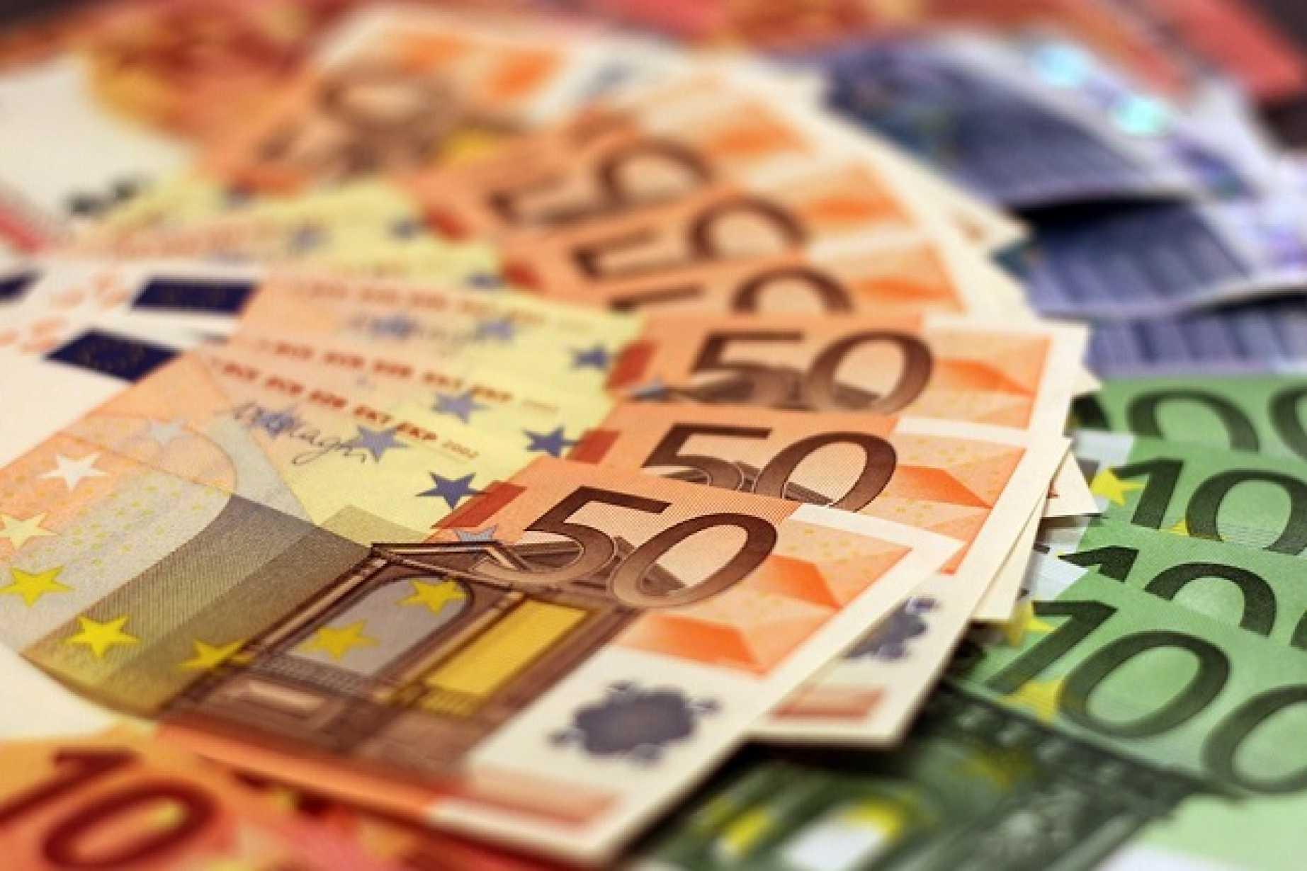 Covid-19 visvairāk skartajām nozarēm valsts nepieciešamības gadījumā maksās darbinieku atalgojumu 75% apmērā