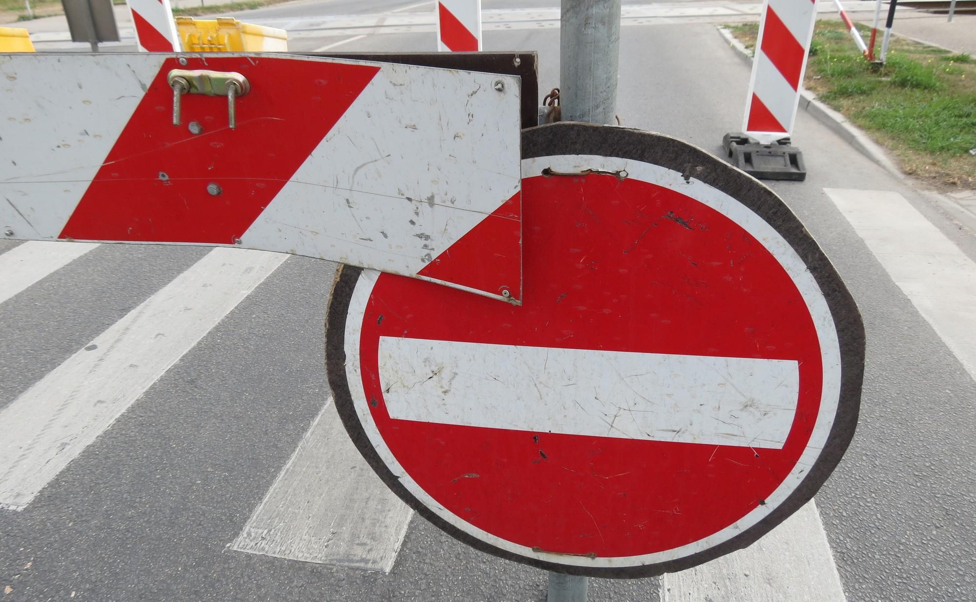 No 1.aprīļa slēgs satiksmi Cukura un Dorupes ielas posmos