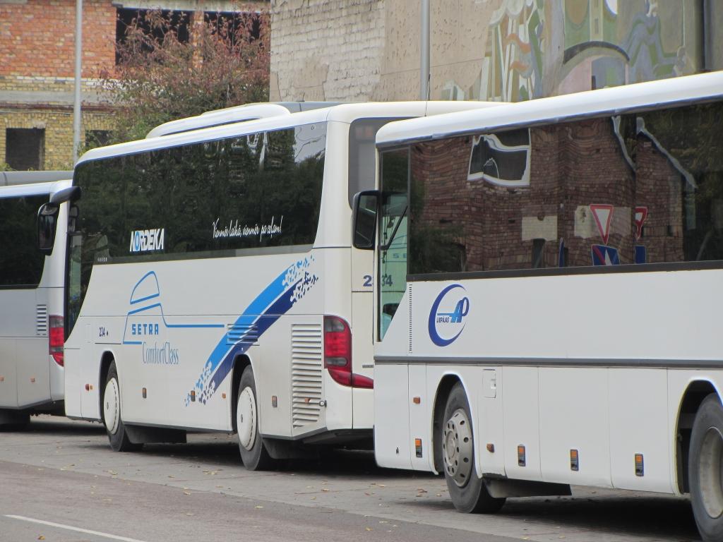 No 21. marta slēdz vairākus autobusu reisus