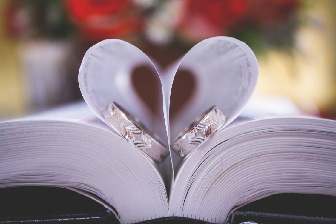 Laulību zālē – tikai jaunlaulātie un vedēji