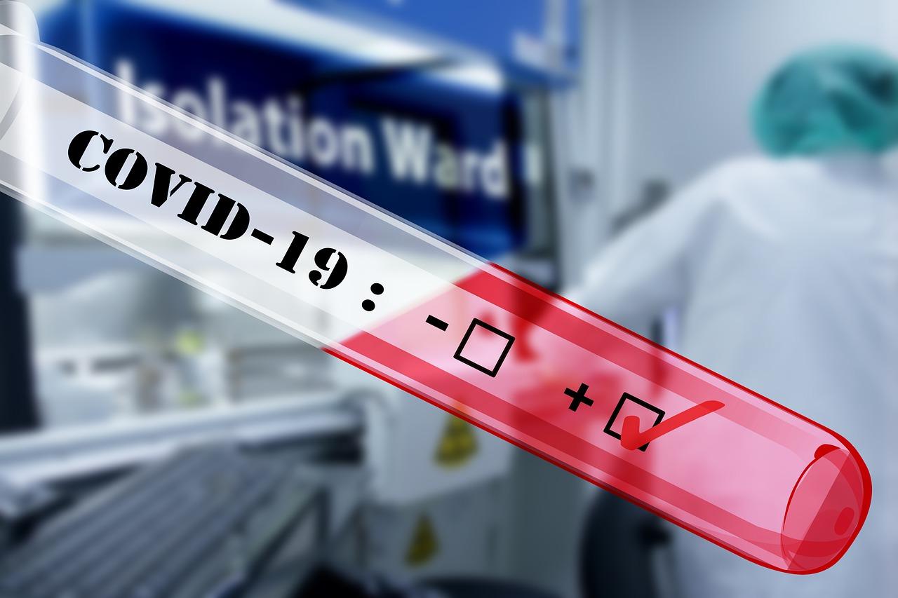 Pagājušajā diennaktī konstatēti trīs Covid-19 inficēšanās gadījumi, kamēr vēl astoņi saslimušie izveseļojušies