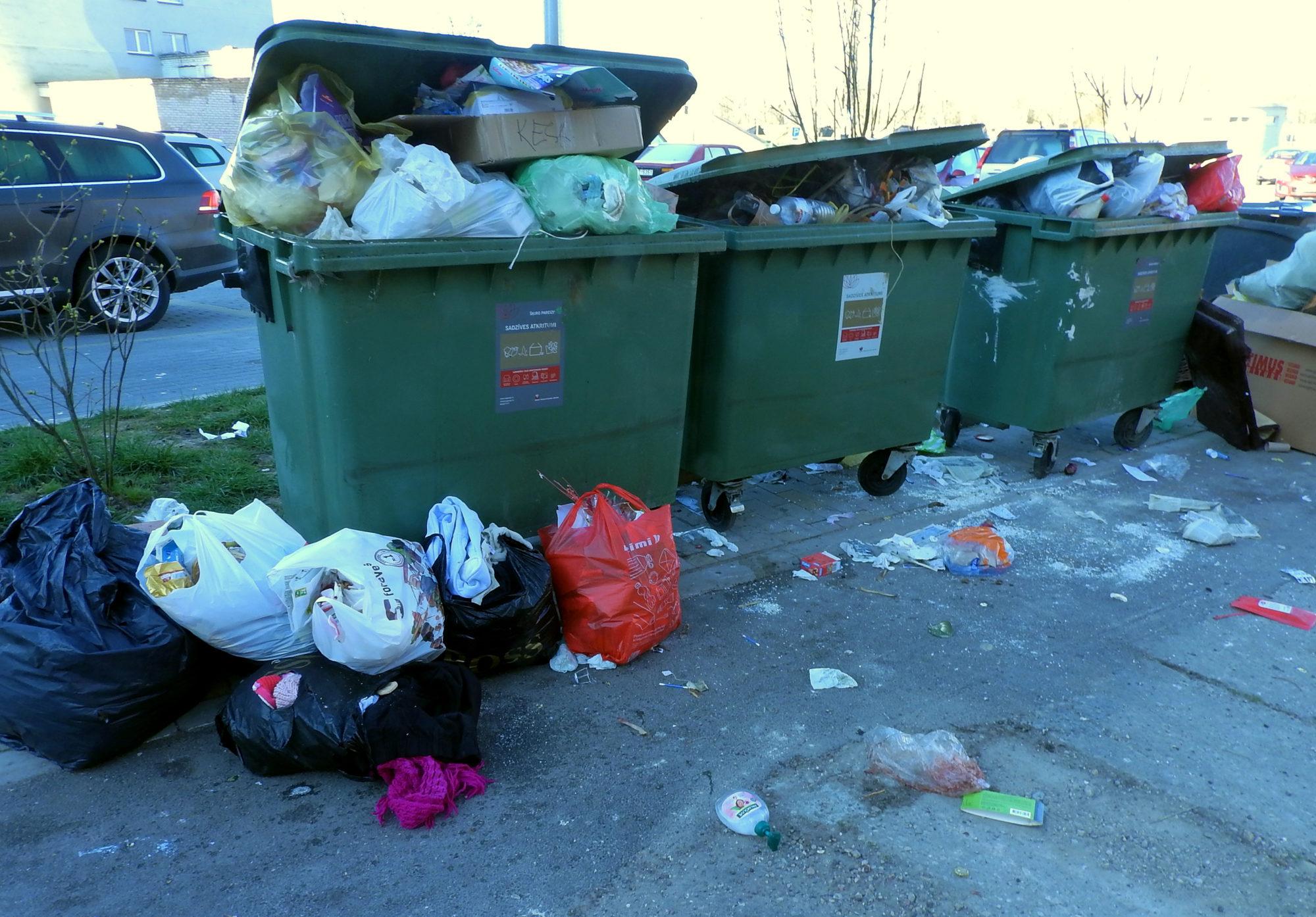 Pandēmijas laikā atkritumu konteineri piepildās ātrāk