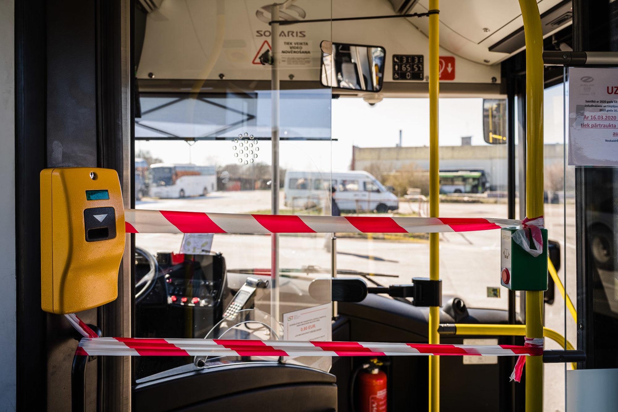 Atsāks izsniegt bezmaksas biļetes pie sabiedriskā transporta vadītājiem