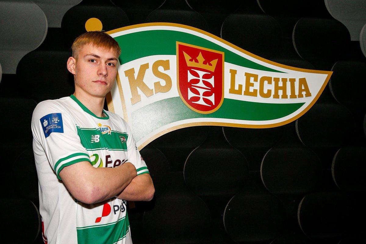 """""""Lechia"""" izmanto iespēju izpirkt Tobera līgumu un iegūst spēlētāju savā rīcībā"""