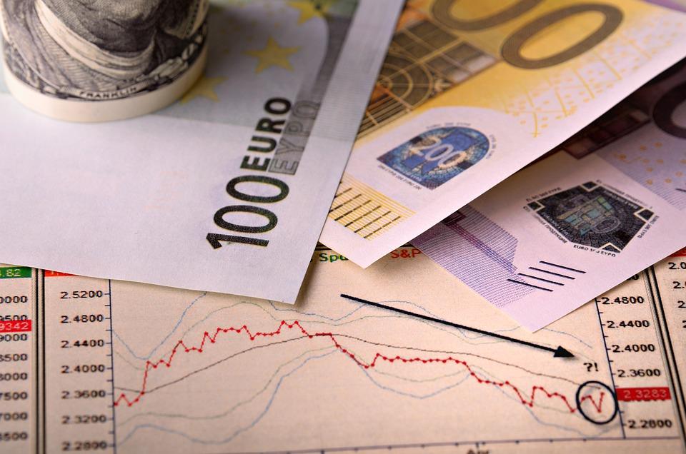 Jūnijā patēriņa cenas Latvijā gada laikā samazinājušās par 0,7%