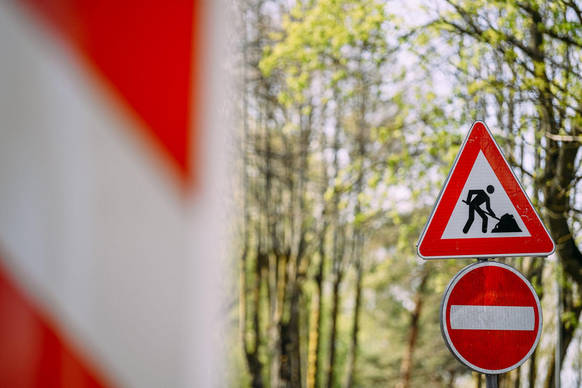Slēgs satiksmi Vaiņodes un Reiņu meža ielu posmos