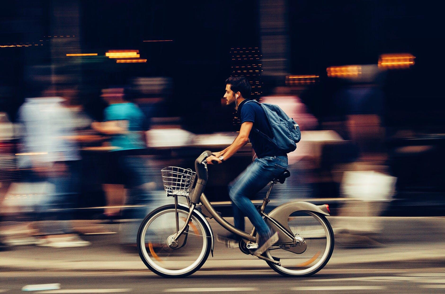 Satiksmes negadījumos cieš gan velosipēdists, gan autovadītāji