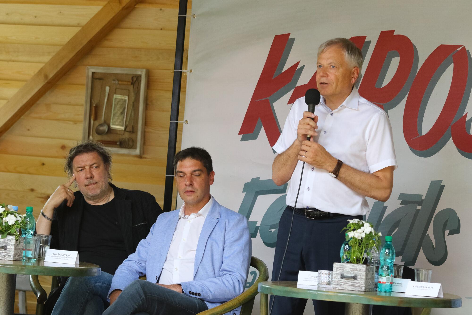 Liepājas SEZ ar iedzīvotājiem diskutē par attīstības iespējām Karostā