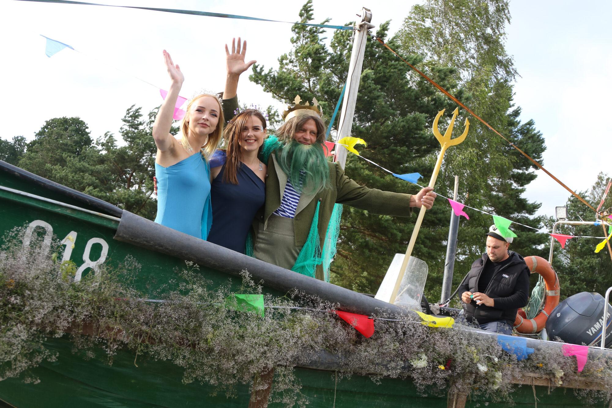 Zvejnieksvētkos Jūrmalciemā godināja plašāko ūdeņu īrējus