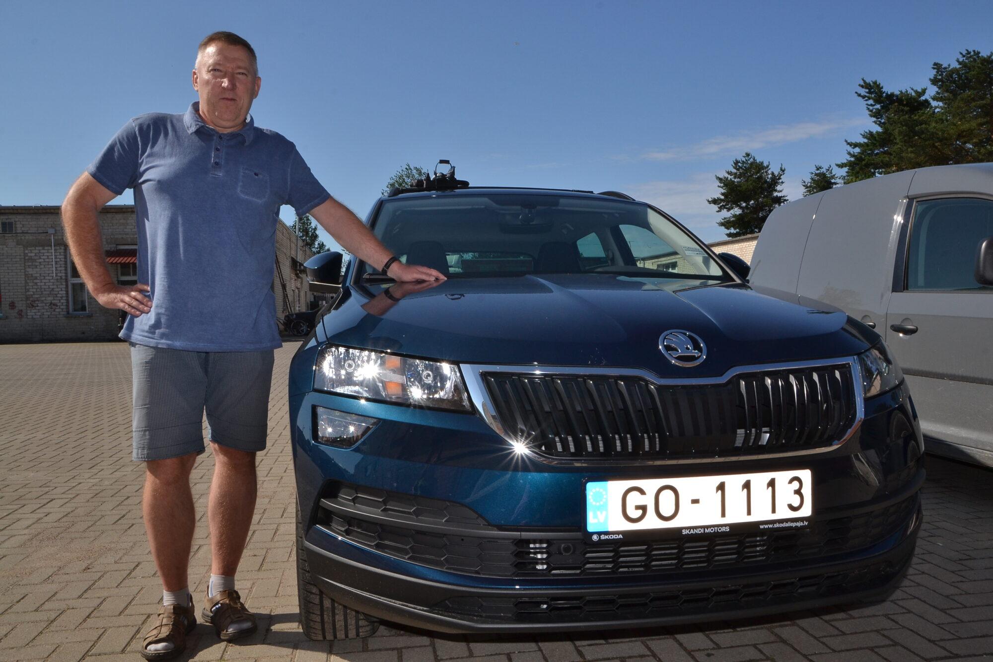 """Cer aizbraukt uz augstiem kalniem. Ainars Bergs stāsta par savu jauno """"Škoda Karoq"""""""