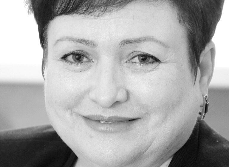 Elvīra Nikiforova: Kāpēc cilvēki ļaujas krāpniecībai?