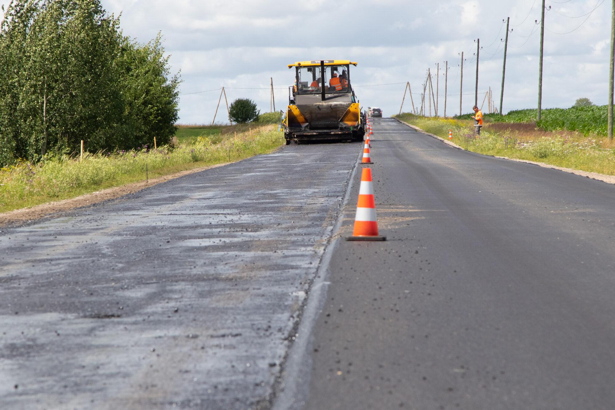 Uzsākti autoceļa Priekule-Vaiņode atjaunošana