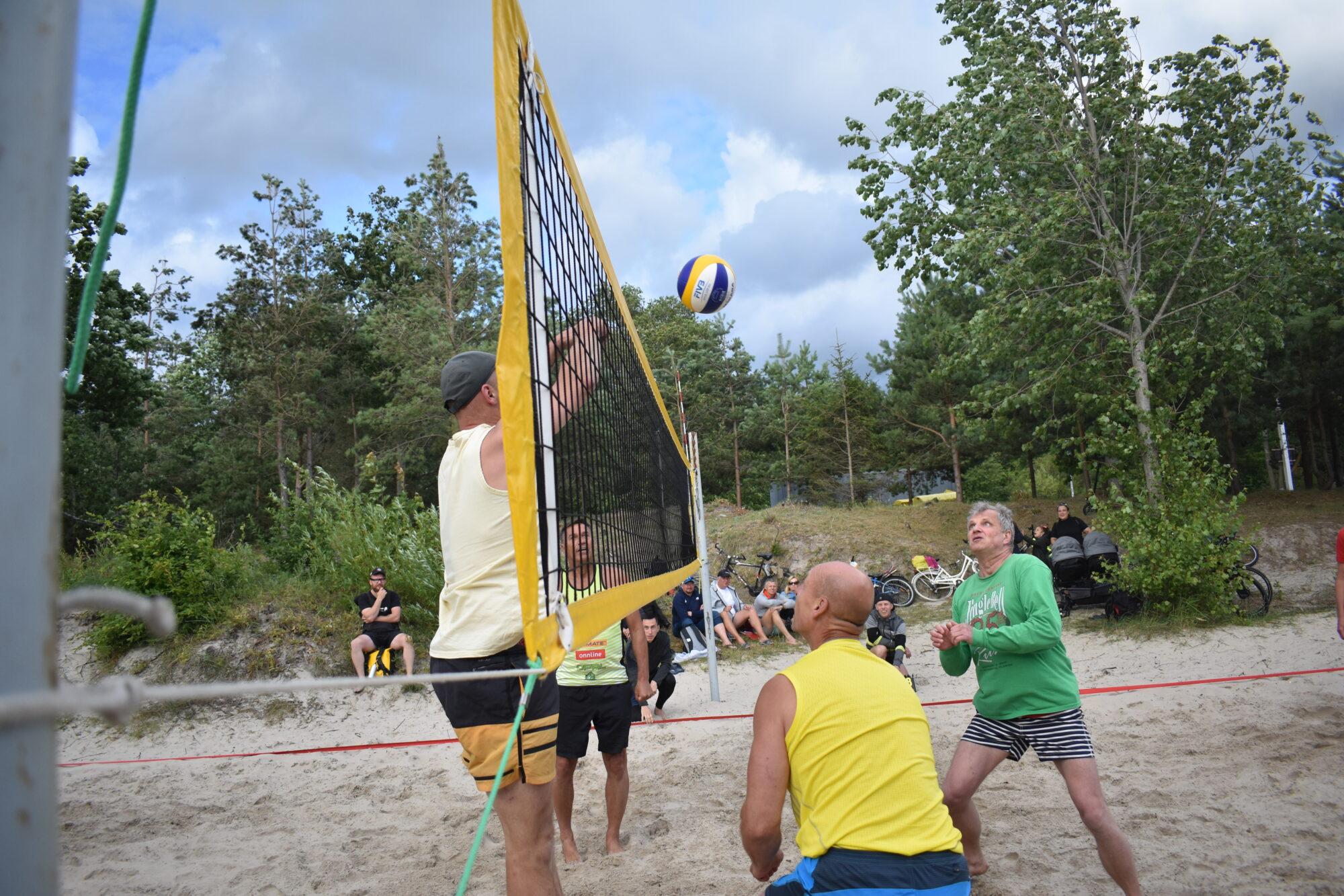 Liepājas pludmales volejbola laukumos norisinājās Liepājas pludmales volejbola līgas 4.posms