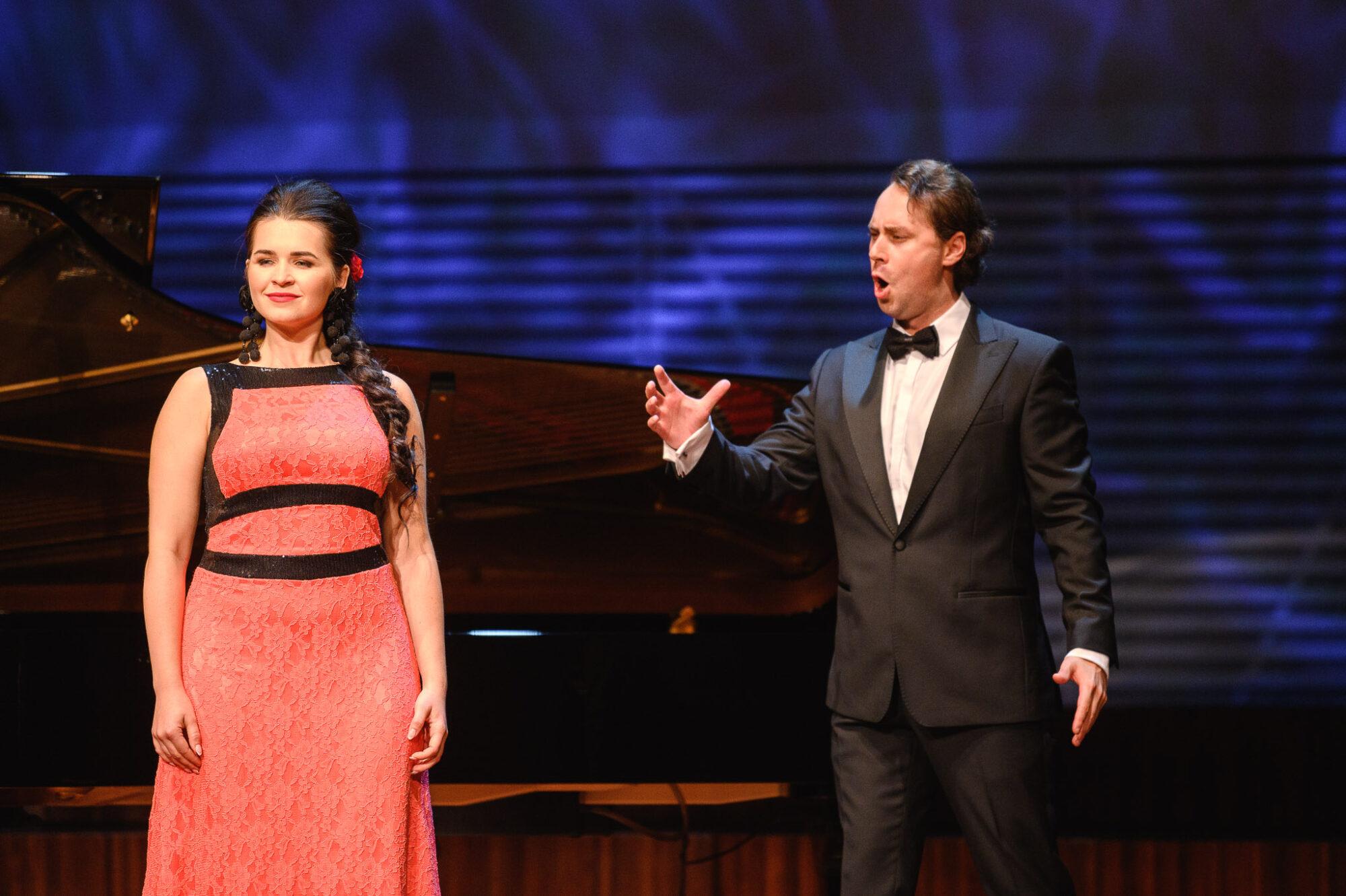 Liepājas koncertzālē izskanējis Marlēnas Keines,  Mihaila Čulpajeva un  Agneses Egliņas koncerts