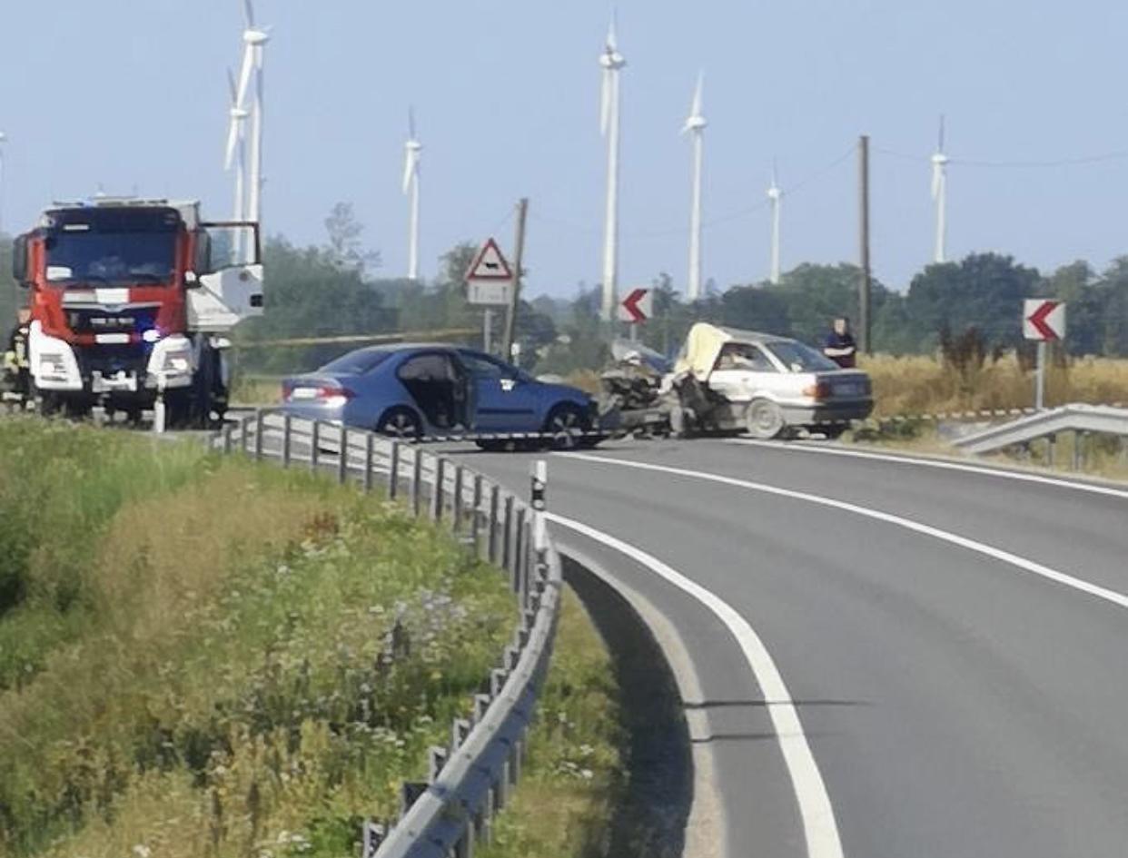 Avārijā uz Liepājas šosejas četri cietušie; satiksme atjaunota
