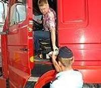 Testē transporta tehnisko stāvokli