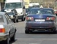 Šoferus kaitina mācību auto pārpildītajās ielās
