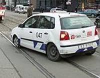 Apsargu auto iekļūst avārijā