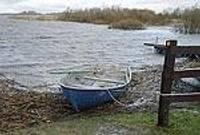 Uztraucas par lieguma ietekmi uz ezeru