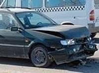 """Viens """"VW Passat"""" taranē otru"""