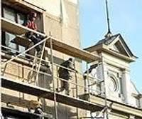 Latviešu biedrības namam atjauno fasādi