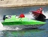 Ūdens motosportisti sāk ar otro vietu