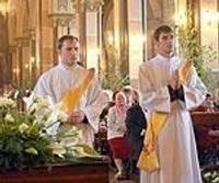 Iesvēta divus priesterus