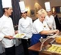 Piedāvāja franču virtuves gardumus