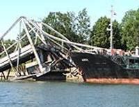 Līdz oktobrim atliek tiesu Karostas sagrautā tilta lietā Liepājā