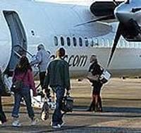 """""""airBaltic"""" palielina lidojumu skaitu uz Liepāju, Tallinu un Viļņu"""