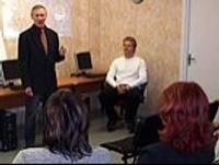 Sekmīgi veicina invalīdu tālākizglītību un iesaistīšanos darba tirgū